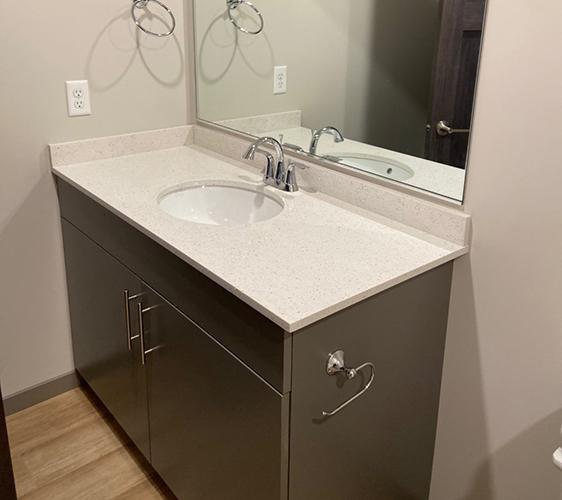 805 Bathroom.jpg